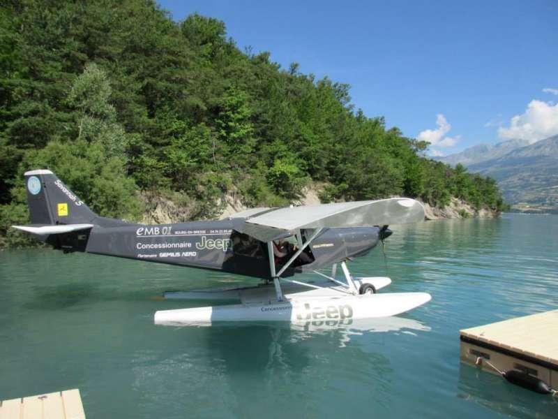 Hydravion sur le lac de Serre-Ponçon
