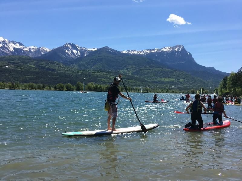 paddle sur le lac de Serre-Ponçon dans les Hautes-Alpes
